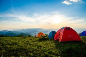 Glamping vs Camping Holidays – Which one is for you?